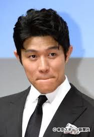 """鈴木亮平がギャラキングに!""""西郷どん""""でイッキ400万円超 (2019年1 ..."""