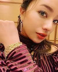 高橋メアリージュンの私服 「オー!マイ・ボス!」第2話で身につけているアクセサリーです。 - 芸能人の私服 衣装まとめ - Woomy
