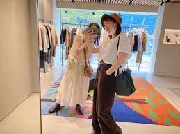 本田翼、母とショッピング中の2ショットに「お母さんも私服おしゃれ」「親孝行素敵」の声 【ABEMA TIMES】